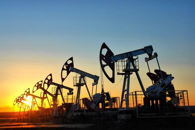 Lo ngại khủng hoảng nguồn cung đẩy giá dầu tăng vọt