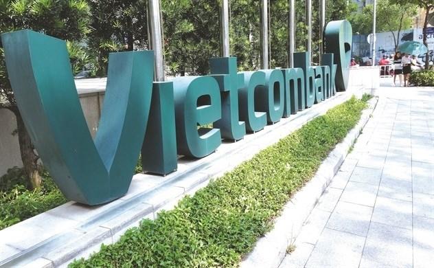 Vốn ngoại liên tiếp đổ vào các ngân hàng Việt