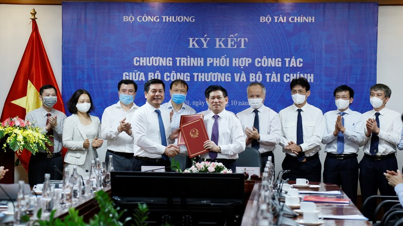 Bộ Tài chính và Bộ Công Thương ký kết chương trình phối hợp công tác