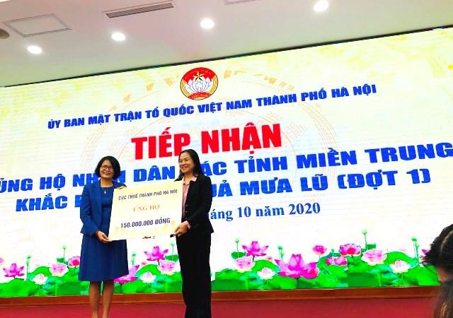 Cục Thuế TP. Hà Nội ủng hộ 150 triệu đồng hỗ trợ nhân dân các tỉnh miền Trung