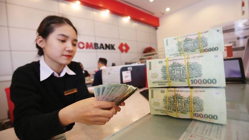 Cạn room tín dụng, ngân hàng vẫn đẩy mạnh cho vay
