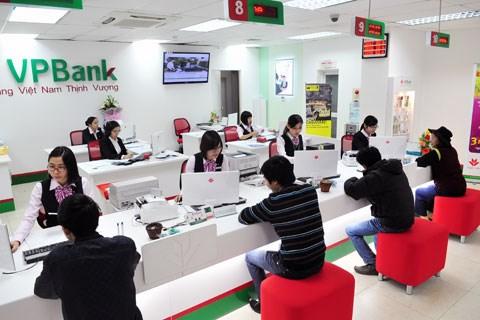 Nợ xấu phình to, OCBC thoái vốn khỏi VPBank