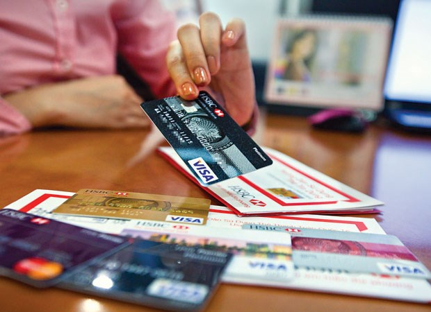 Ngân hàng cạnh tranh bằng thẻ thông minh