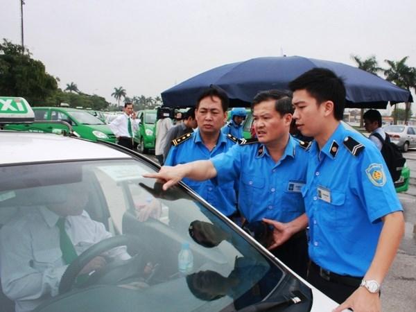 Kinh doanh vận tải ở Hà Nội: Nhìn đâu cũng thấy sai phạm