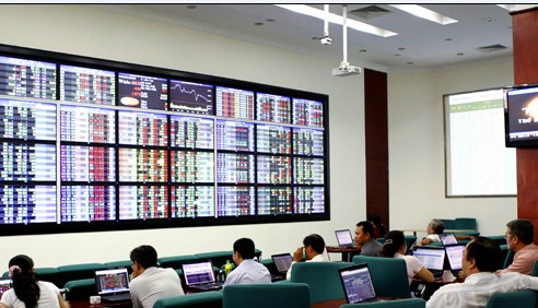 Các yếu tố kinh tế vĩ mô và biến động của thị trường chứng khoán Việt Nam
