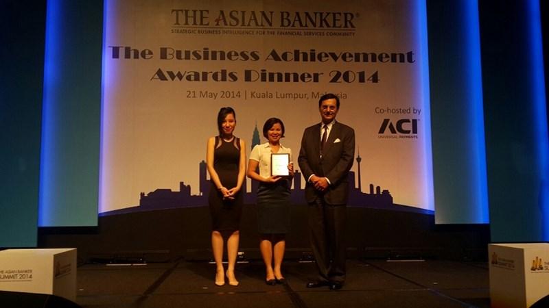 """BIDV nhận giải thưởng """"Ngân hàng Quản lý tiền tệ tốt nhất Việt Nam"""" do Tạp chí The Asian Banker trao tặng"""