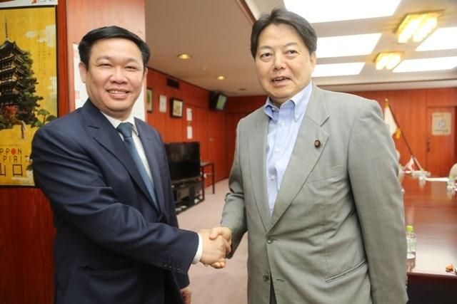 Trưởng Ban Kinh tế Trung ương làm việc với nhiều quan chức cấp cao và các nhà khoa học hàng đầu Nhật Bản