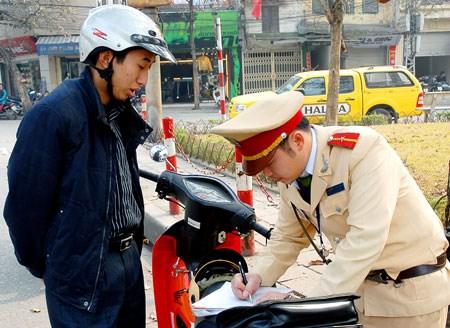Sẽ triển khai nộp phạt vi phạm giao thông bằng thẻ ngân hàng