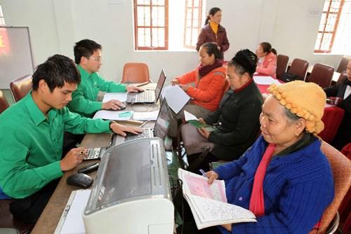 Nâng mức tín dụng và thời hạn cho vay đối với hộ nghèo