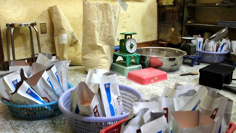 Triệt phá hàng loạt đường dây buôn bán chất cấm trong chăn nuôi