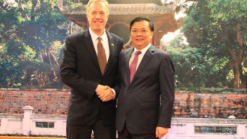 """""""Hợp tác kinh tế - tài chính Việt Nam - Hoa Kỳ sẽ bền chặt hơn"""""""