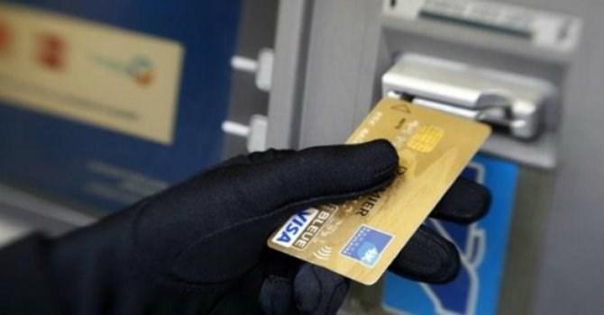 Cảnh giác với thẻ ngân hàng giả