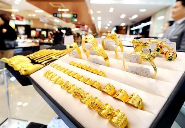 Giá vàng trượt giảm mạnh