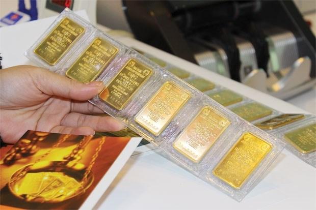 Giá vàng trong nước phiên sáng nay giảm mạnh