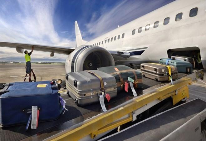 Điều kiện miễn thuế xuất, nhập khẩu với hành lý của người xuất, nhập cảnh
