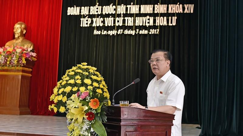 Bộ trưởng Đinh Tiến Dũng tiếp xúc cử tri TP. Ninh Bình và huyện Hoa Lư