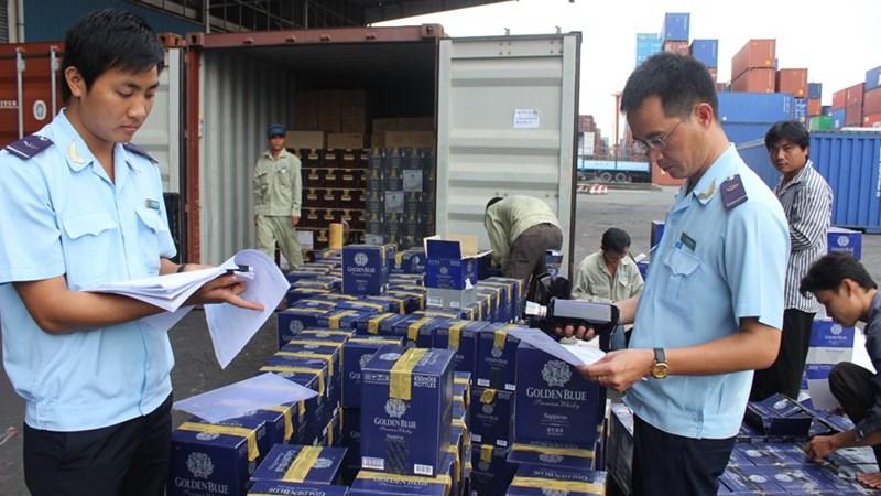 7 tháng, ngành Hải quan xử lý 8.372 vụ buôn lậu, gian lận thương mại