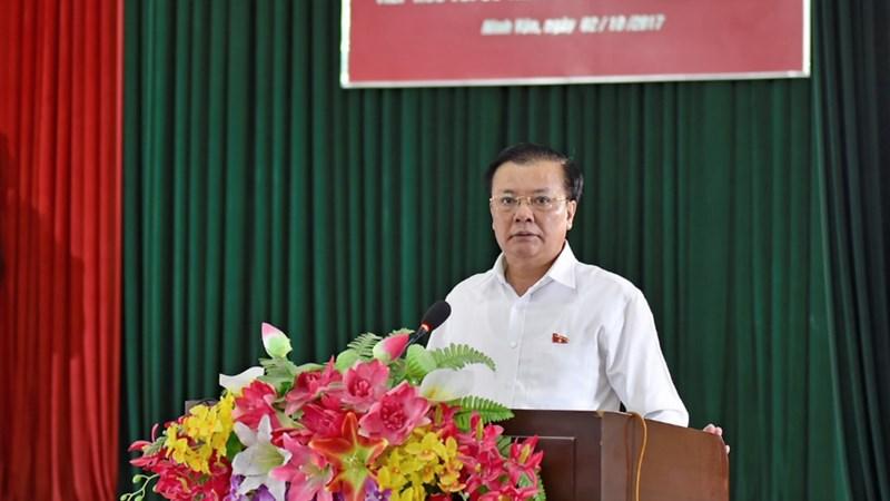Bộ trưởng Đinh Tiến Dũng tiếp xúc cử tri xã Ninh Vân, huyện Hoa Lư