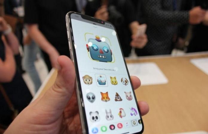 iPhone X khan hàng, dự kiến giá sẽ tăng cao khi về đến Việt Nam