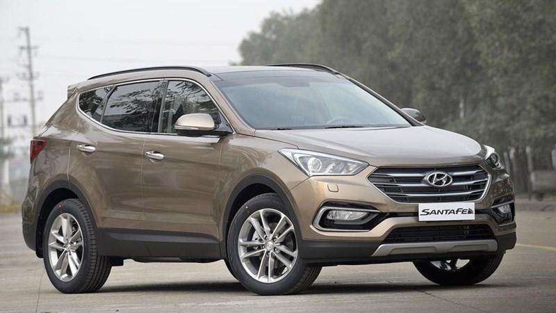 Huyndai SantaFe giảm 230 triệu, ô tô SUV 7 chỗ dìm giá xuống đáy
