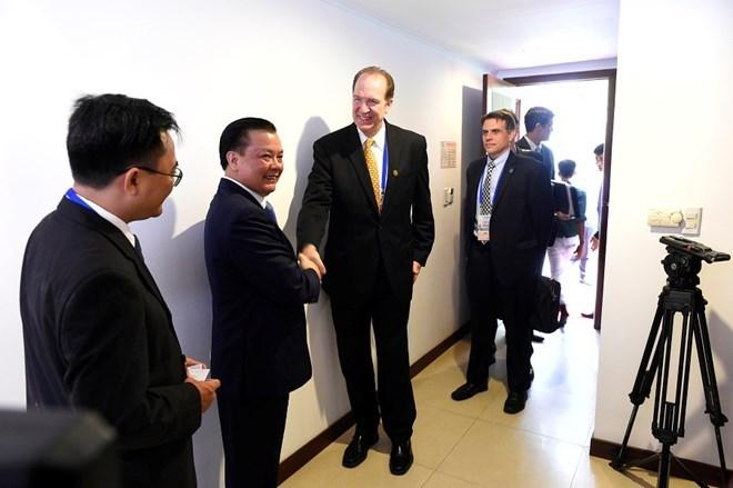 Bộ trưởng Đinh Tiến Dũng: Nhiều hoạt động tiếp xúc song phương trước thềm FMM 2017