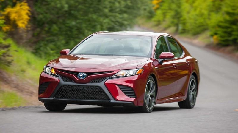 Bảng giá xe Toyota mới nhất tháng 11/2017: Tiếp tục giảm sâu?