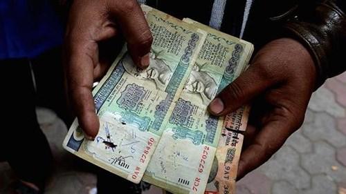Ấn Độ bơm 32 tỷ USD cho các ngân hàng