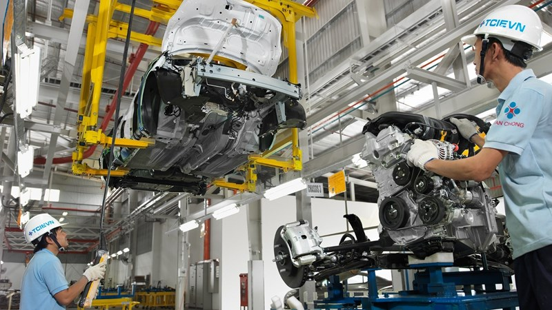 """Chính sách thuế """"gỡ khó"""" cho ngành công nghiệp ô tô Việt Nam"""