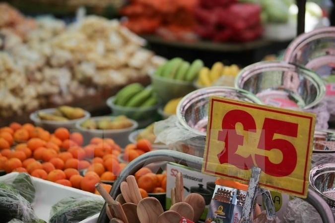 Chi tiêu tiêu dùng ở nước Anh lần đầu sụt giảm trong 5 năm qua