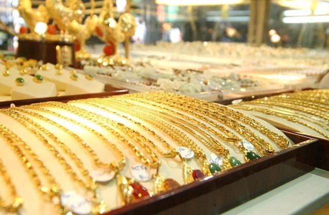 Giá vàng trong nước đi lên đầu tuần