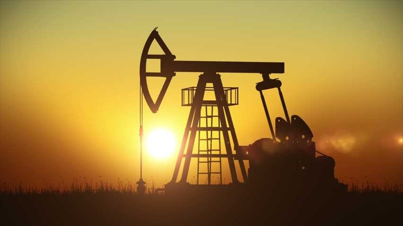 Giá dầu gần chạm mức cao kỉ lục 3 năm do nhu cầu tăng