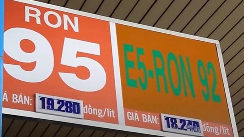 Lý giải về chênh lệch giá giữa xăng E5 RON92 và xăng RON95