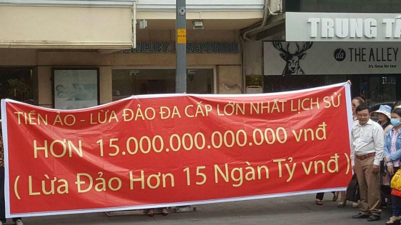 """Bị lừa hơn 15.000 tỷ đồng: """"Đáng thương"""" hay """"đáng trách""""?"""