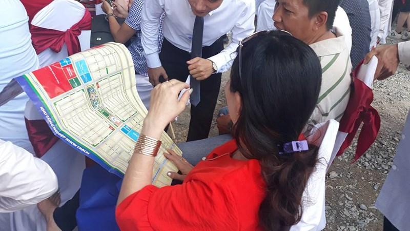 """TP. Hồ Chí Minh tìm cách """"giải nhiệt"""" cơn sốt đất"""