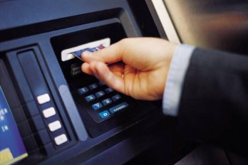 Bạn đã biết cách giao dịch thẻ an toàn trên ATM?