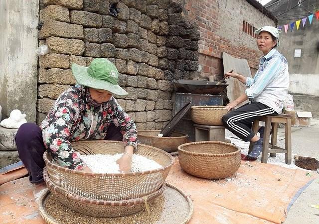 Vệ sinh an toàn thực phẩm tại các làng nghề cần phải được kiểm soát