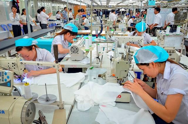 Chiến tranh thương mại Mỹ - Trung: Lối đi nào cho kinh tế Việt Nam?