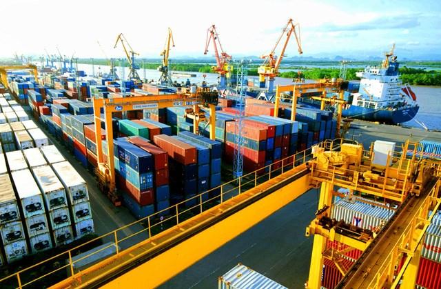 Bất chấp chiến tranh thương mại Mỹ - Trung leo thang, xuất khẩu Việt Nam sang Mỹ vẫn tăng mạnh