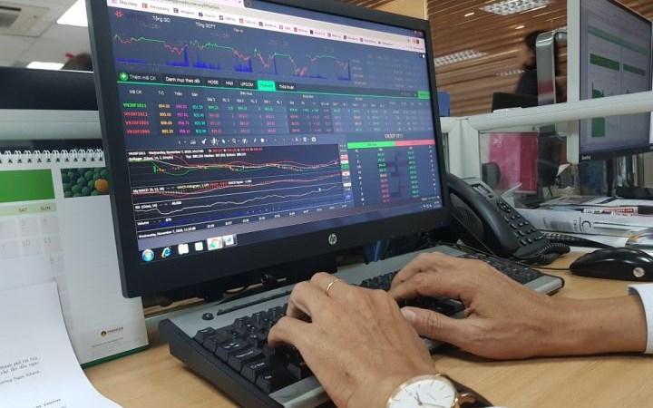 Chứng khoán phái sinh: Khối lượng giao dịch tăng tới gần 64% trong tháng 10