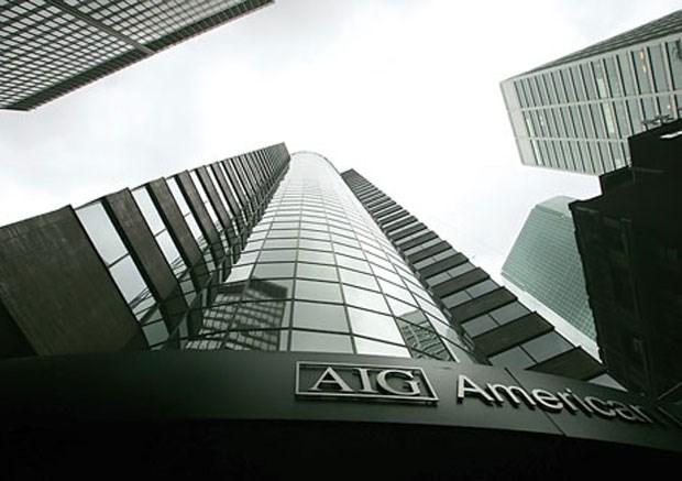 """Tập đoàn bảo hiểm AIG """"ăn cháo đá bát""""?"""
