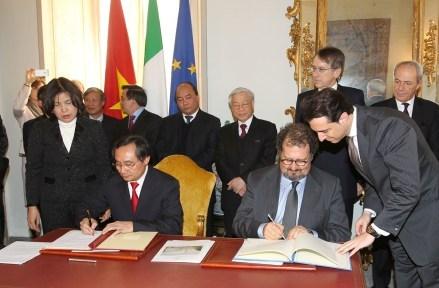Ký kết văn kiện hợp tác giữa Tổng cục Hải quan Việt Nam và Cơ quan Hải quan và Độc quyền Nhà nước Cộng hoà Italia