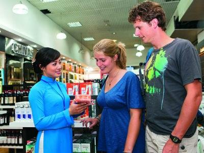 Giao dịch tại cửa hàng miễn thuế: Thêm nhiều loại ngoại tệ