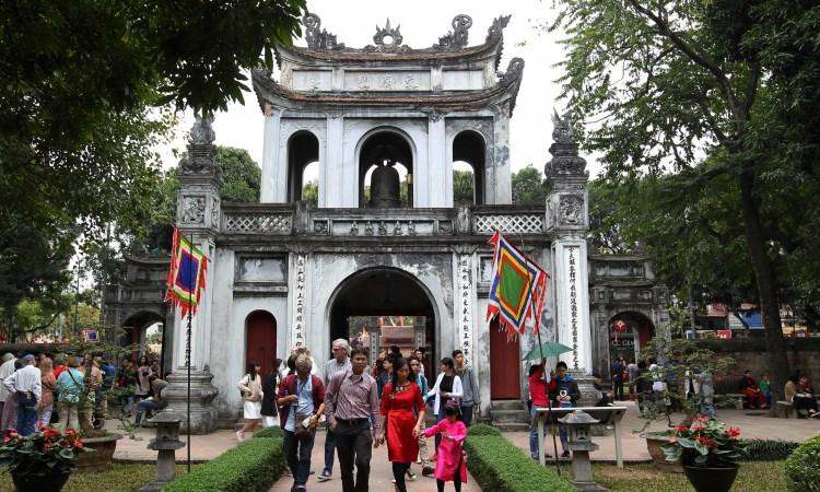 Phát triển kinh tế du lịch gắn với phát huy, bảo tồn giá trị di sản văn hoá tại TP. Hà Nội