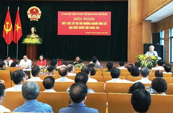 Tổng Bí thư Nguyễn Phú Trọng cùng 4 ứng cử viên đại biểu Quốc hội tiếp xúc cử tri