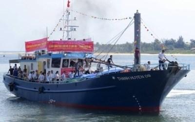 Thêm một tàu vỏ thép của ngư dân Quảng Bình vay vốn Agribank vào hoạt động