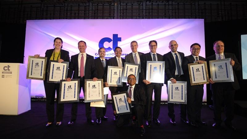 Standard Chartered nhận danh hiệu Ngân hàng tốt nhất Việt Nam