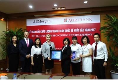 """Agribank nhận giải thưởng """"Chất lượng thanh toán quốc tế xuất sắc năm 2017"""""""