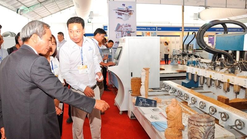 Quy tụ hơn 320 thương hiệu về chế biến gỗ lớn tại VietnamWood