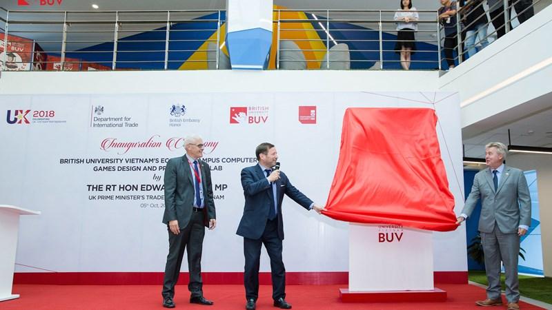 BUV đầu tư phát triển ngành công nghiệp mới tại Việt Nam