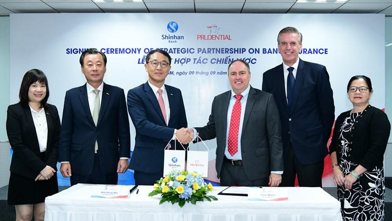 Prudential hợp tác với Ngân hàng Shinhan triển khai mô hình kinh doanh bảo hiểm liên kết ngân hàng